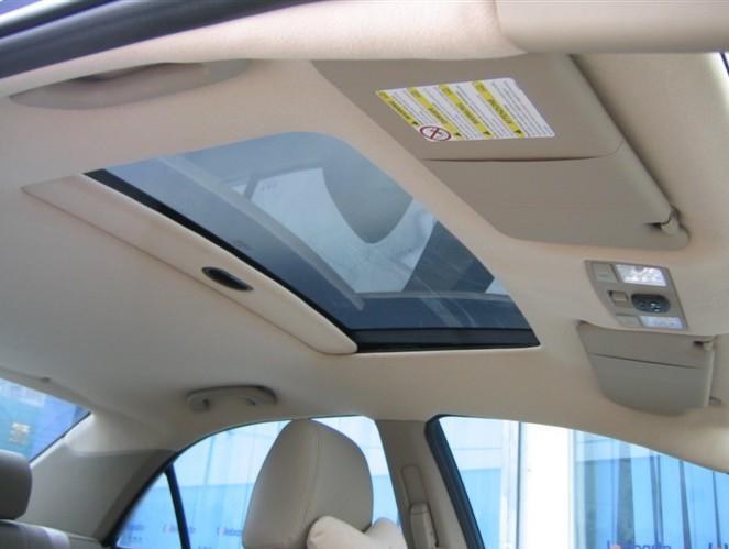 汽车内饰顶棚怎么清洗?教你养车省钱之道!